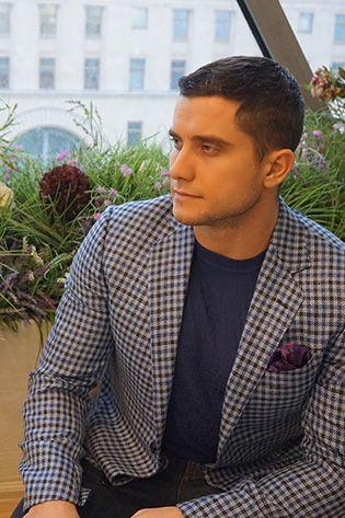 Серые мужские пиджаки